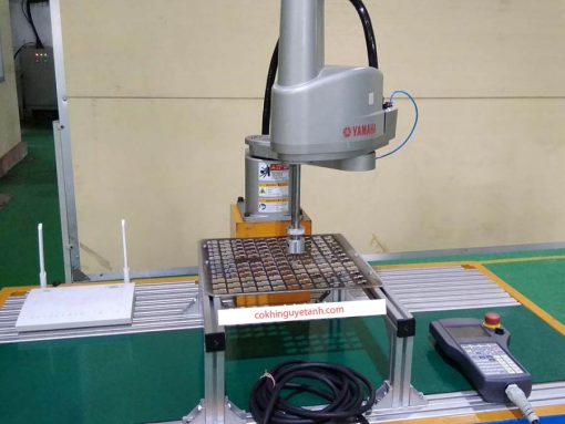robot-scara-trong-may-dong-goi-sp-4 -cơ khí nguyệt ánh